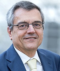 Smarter on the move : Professor José Manuel Viegas, Secretary-General of the International Transport Forum, with his statement in english issue 1-2016