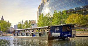 Elektrisches Touristenboot in Ottawa