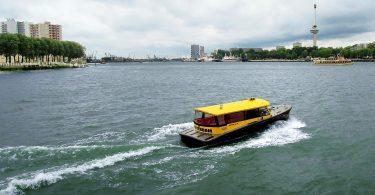 Hybrid Wassertaxi in Rotterdam