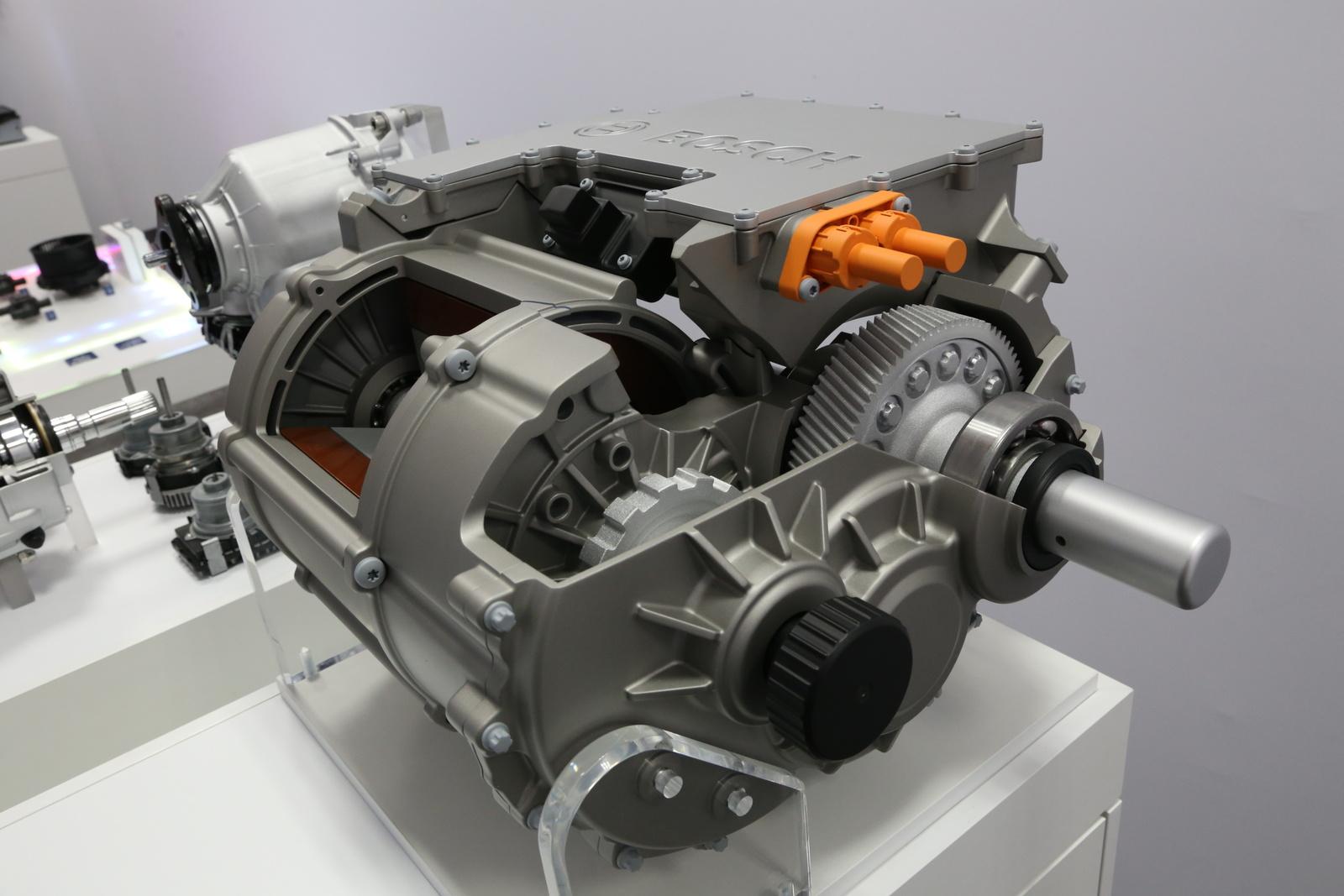 Bosch zeigt Technologien für Fahrzeug-Antriebe von morgen