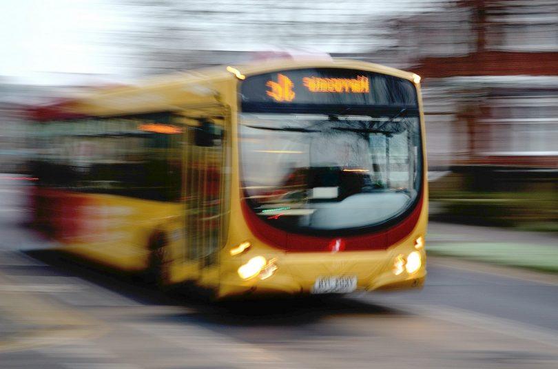 Bus schnell unterwegs
