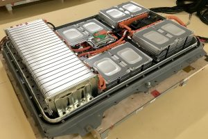 Nissan recycelt Lithium-Ionen-Batterien in neuem Werk