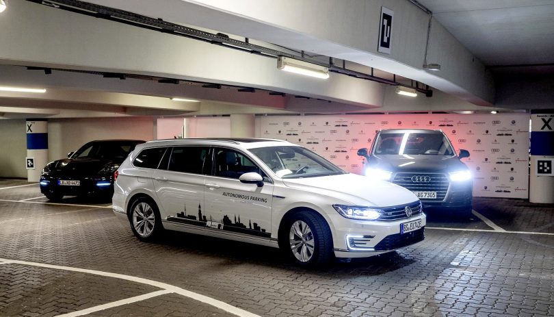 Volkswagen Konzern testet autonomes Parken am Hamburg Airport