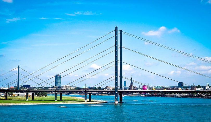 Mehr als 2000 Brücken in Deutschland müssen in den nächsten Jahren saniert oder durch Neubauten ersetzt werden.