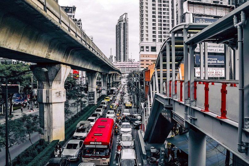 Wissenschaftler stellen Konzept für Straßenverkehr ohne Staus vor