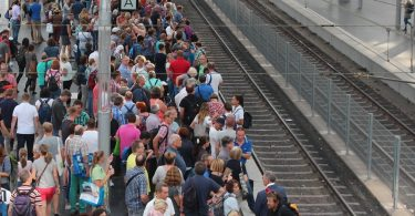 Crowd-Management Bahnsteig