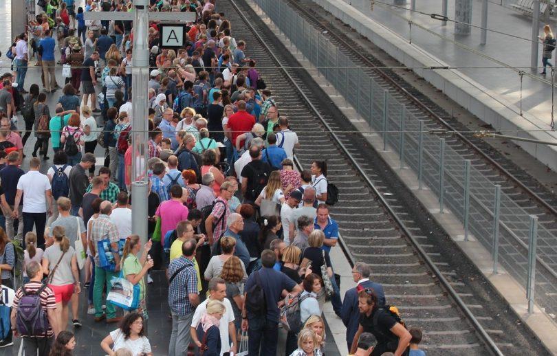 Crowd-Management Bahnsteig