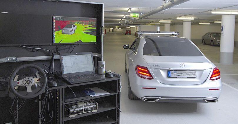 Fernsteuerung für hochautomatisierte Fahrzeuge.