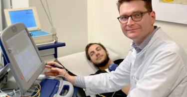 Dr. Carsten Lennerz Untersuchung Herzschrittmacher