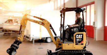 Elektrischer Bagger mit Caterpillar-Basismaschine und ecovolta-Akkupack