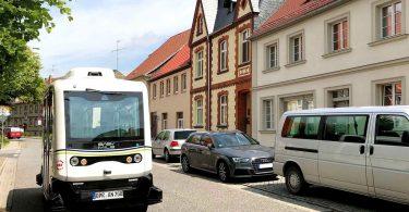 autonom fahrender Kleinbus AutoNV OPR
