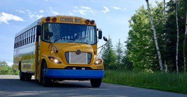 BMW Batteriepacks für Schulbusse von Lion Electric