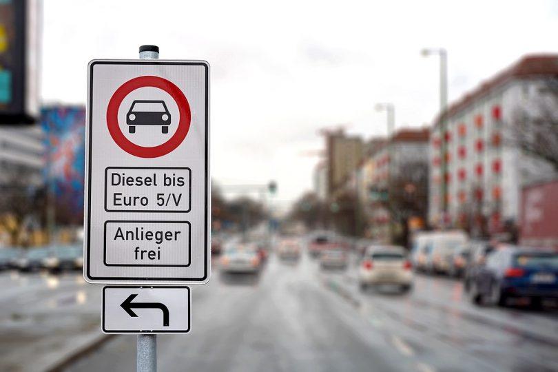 Feinstaub aus dem Straßenverkehr: eine Bedrohung für Pflanzen und Tiere?