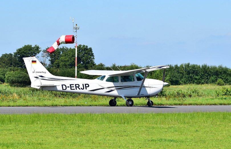 """Mit """"Safe2Land"""" antriebsloses Flugzeug sicher landen"""