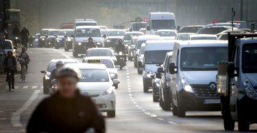 Stickstoffdioxid: Verkehrsdichte, Wind und Luftschichtung entscheidend