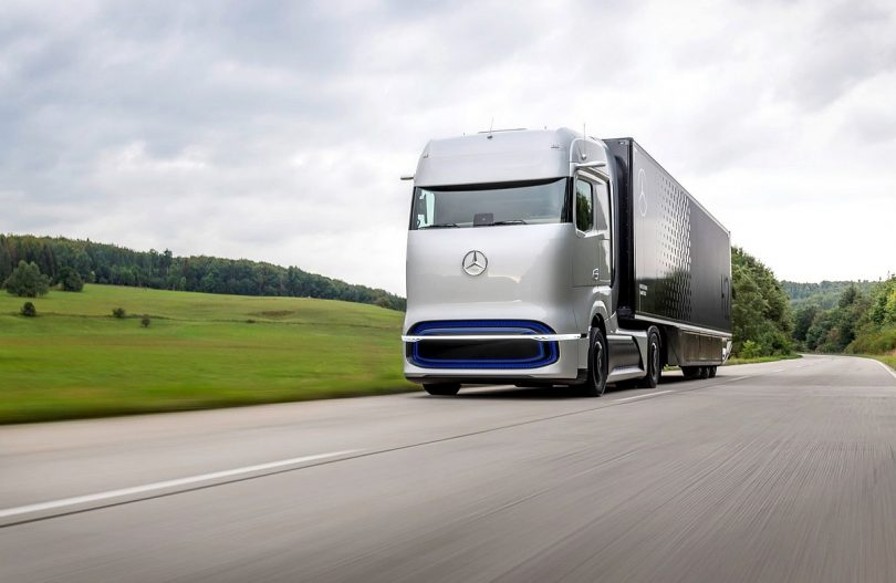 Linde und Daimler Truck AG kooperieren bei Flüssigwasserstoff-Betankungstechnologie für LKW