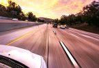 Frühwarnsystem : Die KI lernt aus Stand des Lenkrads, Beschaffenheit der Straße, Wetter, Sicht und Geschwindigkeit