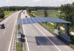 Photovoltaik-Straßenüberdachung an der Autobahn soll Energie liefern