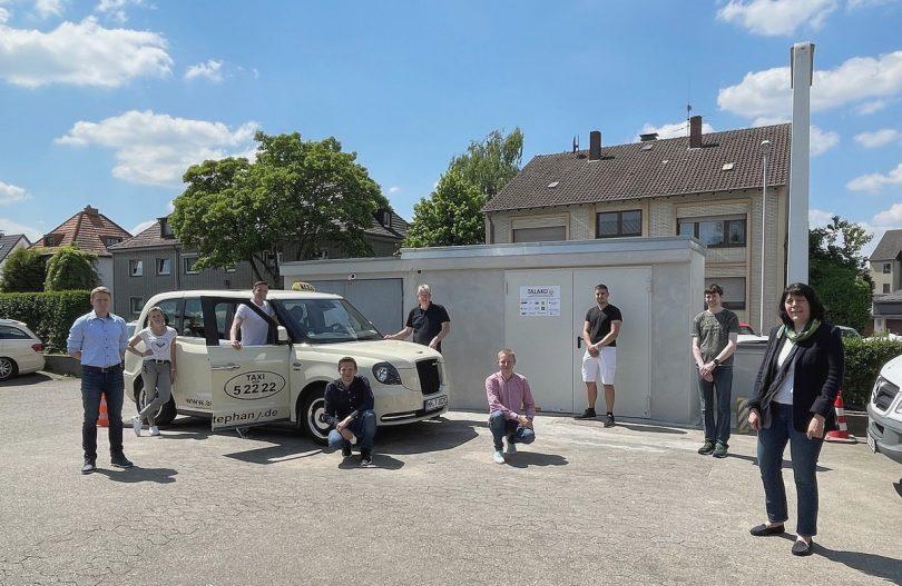 E-Taxi kabellos laden