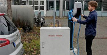 Patent der Hochschule Koblenz : an der Straßenlaterne schnell laden