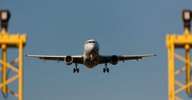 Anflugmanagement von Großflughäfen: Mit Sicherheitskennzahlen Kapazitäten steigern